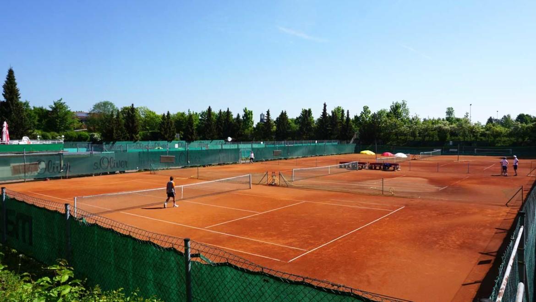 Tennis aussen