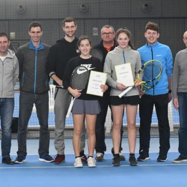 Anne Knüttel und Julius Sommer sichern sich die Titel der unterfränkischen Hallenmeisterschaft beim TSC Heuchelhof